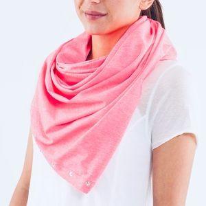 Lululemon Vinyasa Wrap Scarf in Hot Pink New